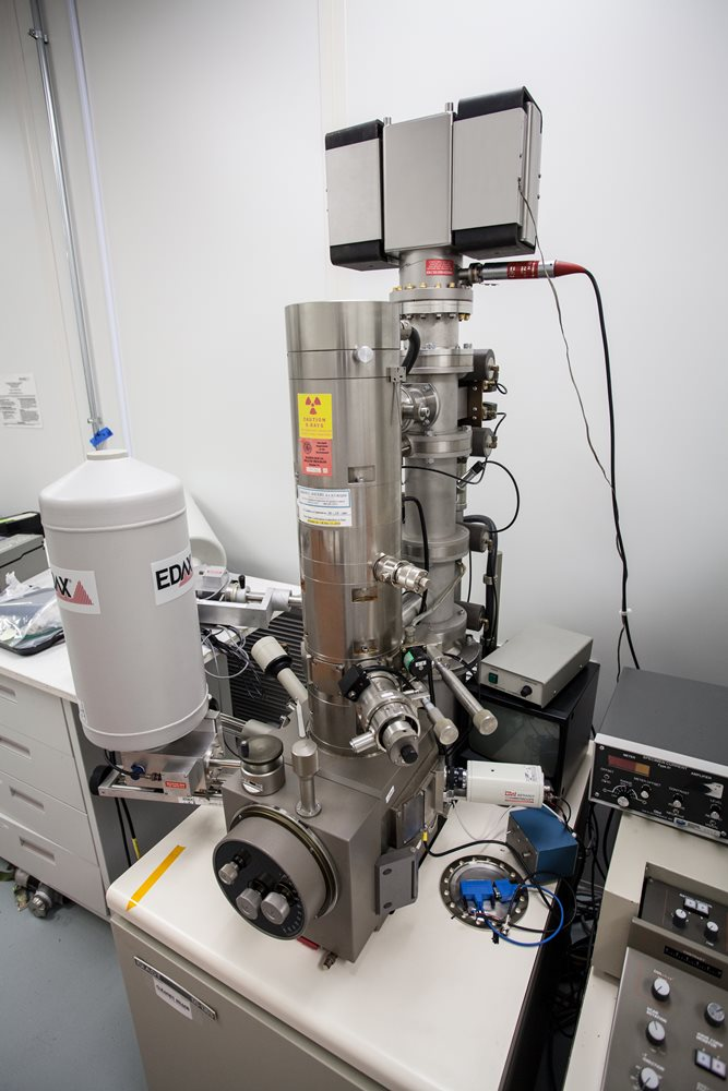 Scanning Electron Microscope for Chip Analysis